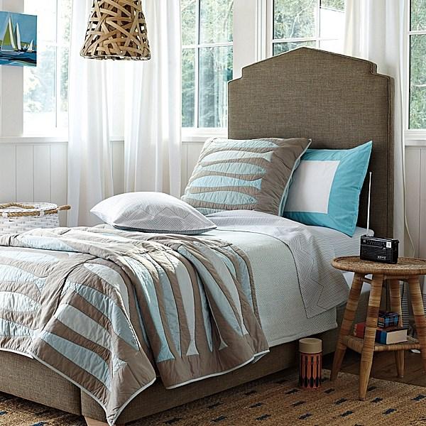 Интерьер спальни в морском стиле