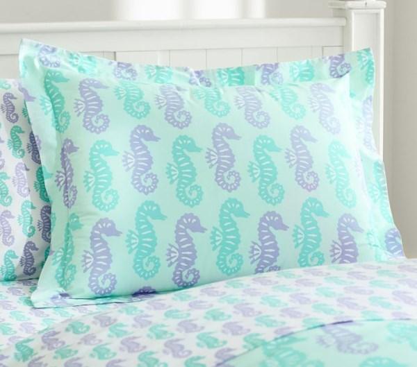 Постельное белье для мальчишечьей спальни в морском стиле