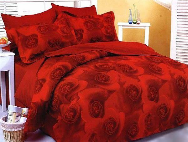 Красная роза на постельном белье