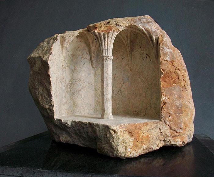 Элементы исторических интерьеров в мраморе и туфе