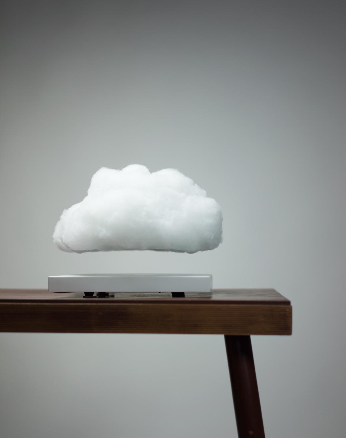 Ричард Кларксон: интерактивный гаджет в виде левитирующего облака