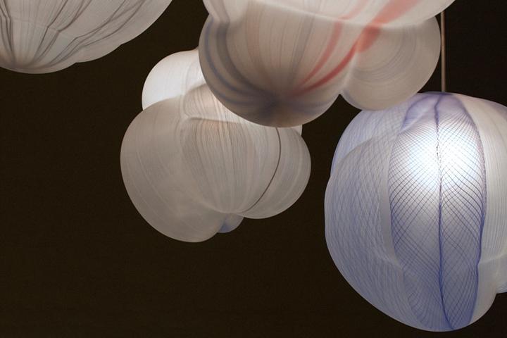 Cстеклянная композиция в разных цветах, является самой крупной композицией специалиста в мире