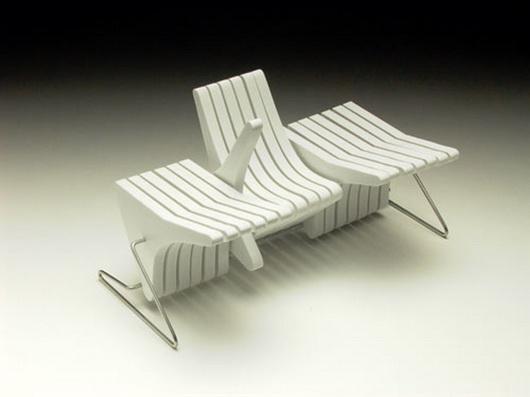 Многофункциональная скамья Beyond от Каролины Тилки и Шимона Навы в белом цвете