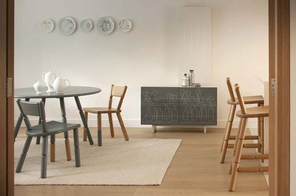 Деревянный комод в интерьере столовой