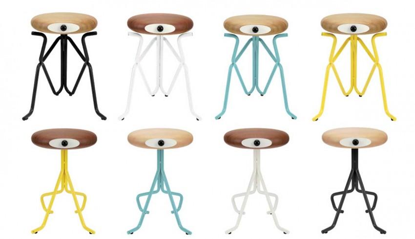 Различные цвета стульев Companion Stools