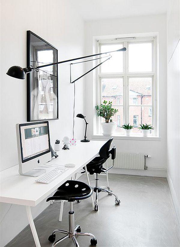 Чёрно-белый интерьер рабочей зоны детской комнаты