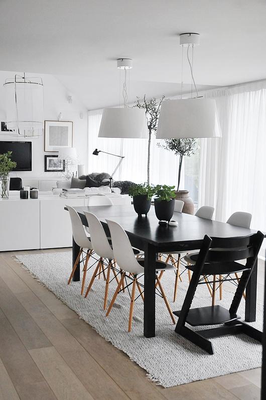 Чёрно-белый интерьер столовой