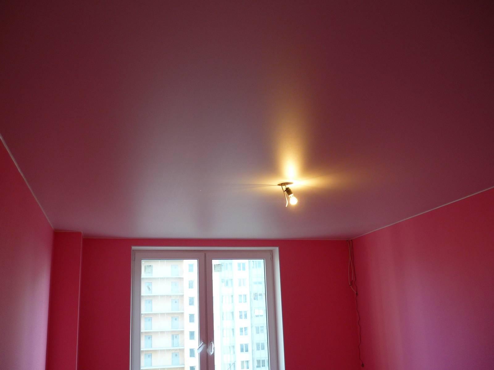 Великолепный цвет в оформлении потолка