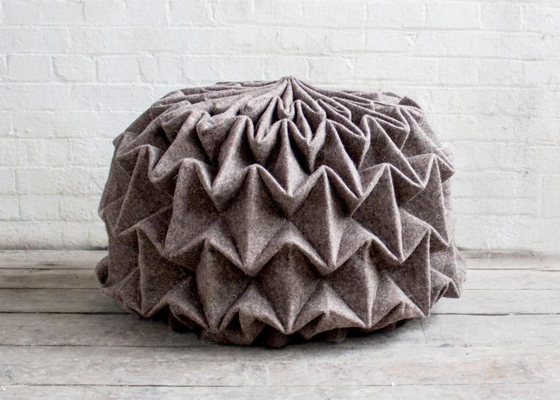 Красивый шерстяной пуф Cones