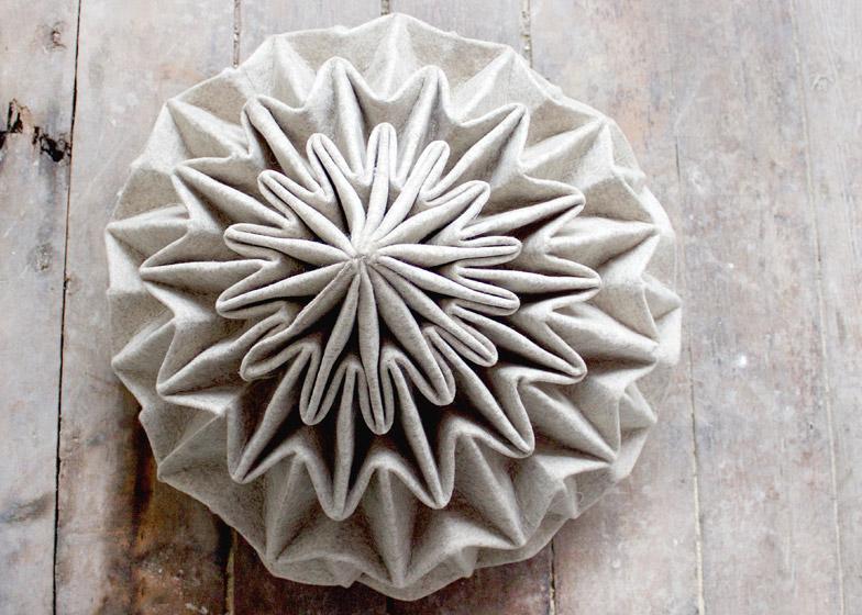 Белый шерстяной пуф Cones: вид сверху напоминает цветок