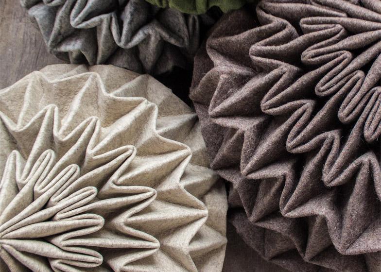 Детали дизайна: геометрические складки шерстяных пуфов Cones