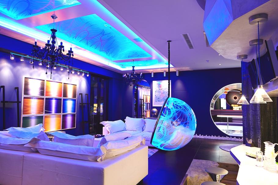 Замечательный световой дизайн интерьера