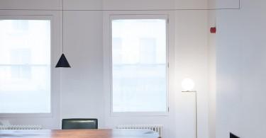 Стильный светильник в интерьере