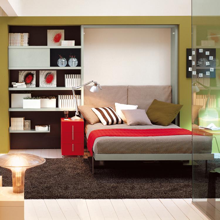 Чудесная складная кровать в интерьере помещения