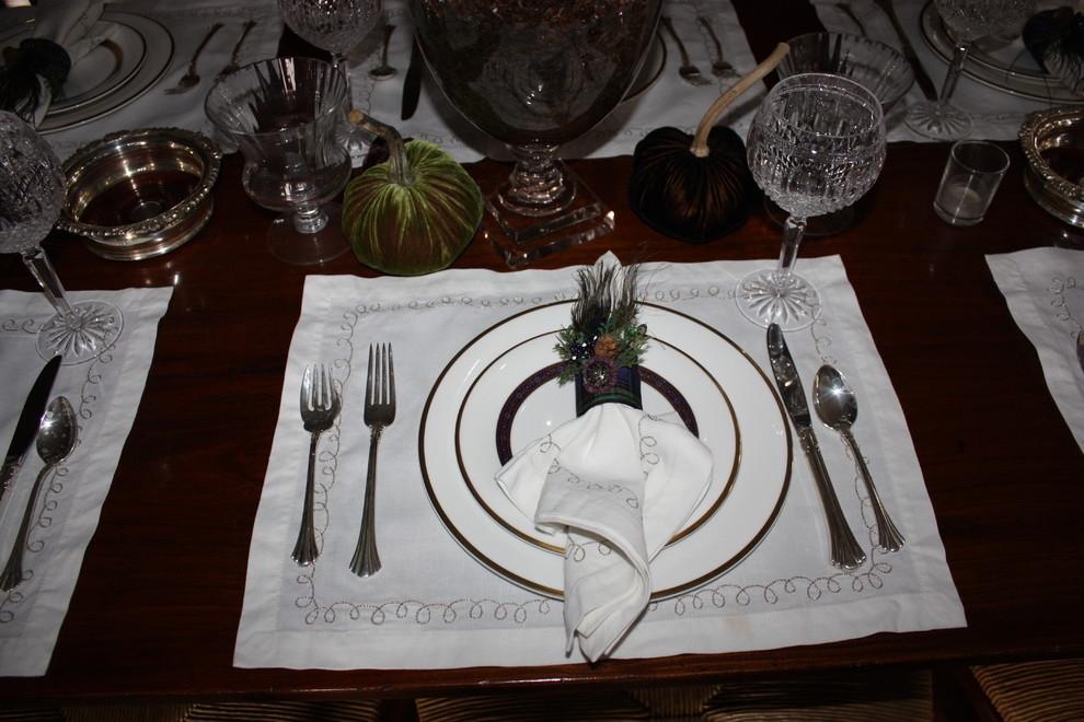 Белые салфетки на столе