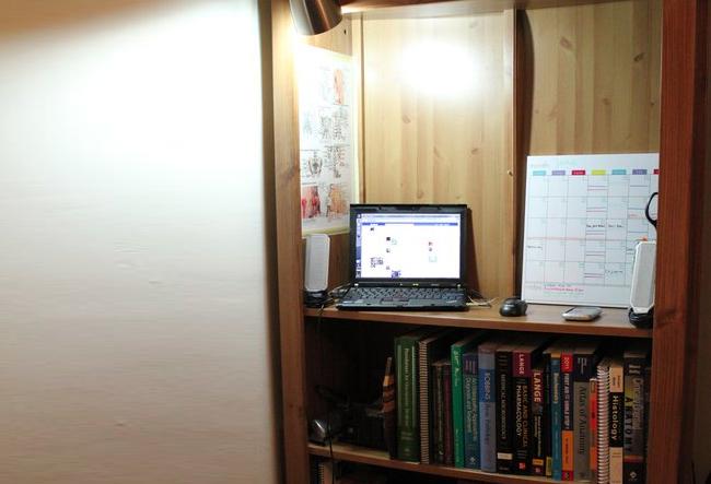 Компьютерный стол из книжного шкафа