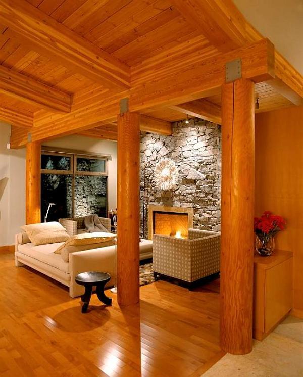 El interior de una casita individual.