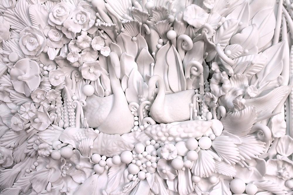 Амбер Коуэн: очаровательные скульптуры и посуда из прессованного стекла