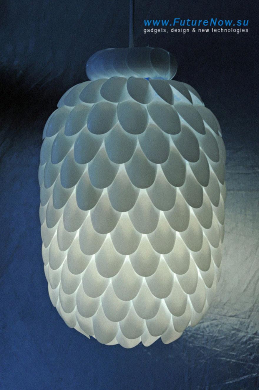 Красивый светильник из 5-литровой пластиковой бутылки своими руками
