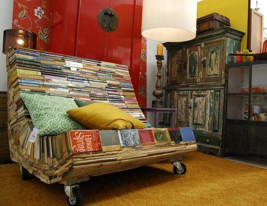 Красивый предмет мебели от дизайнера