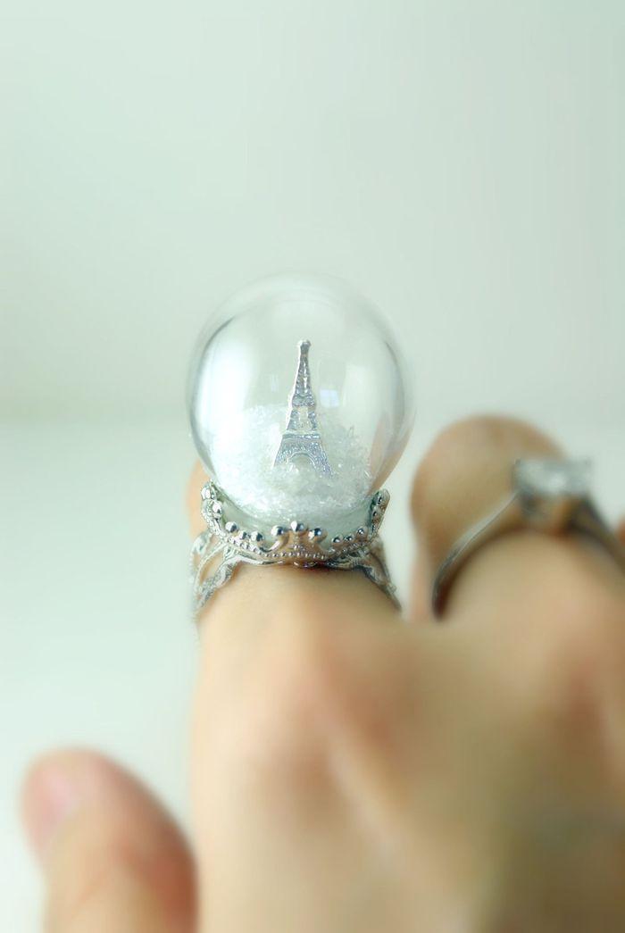 Кольцо Зима в Париже