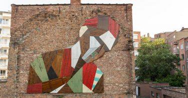 Фантастические геометрические инсталляции из вторсырья: фрески из дерева от Стефана де Крука
