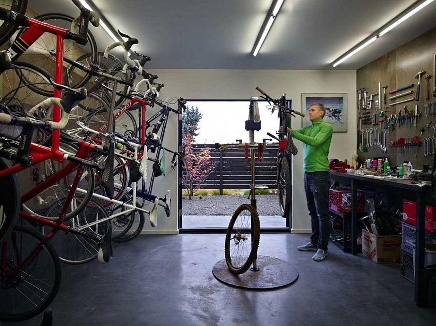 Гараж на 18 велосипедов в Cycle House в Mount Baker