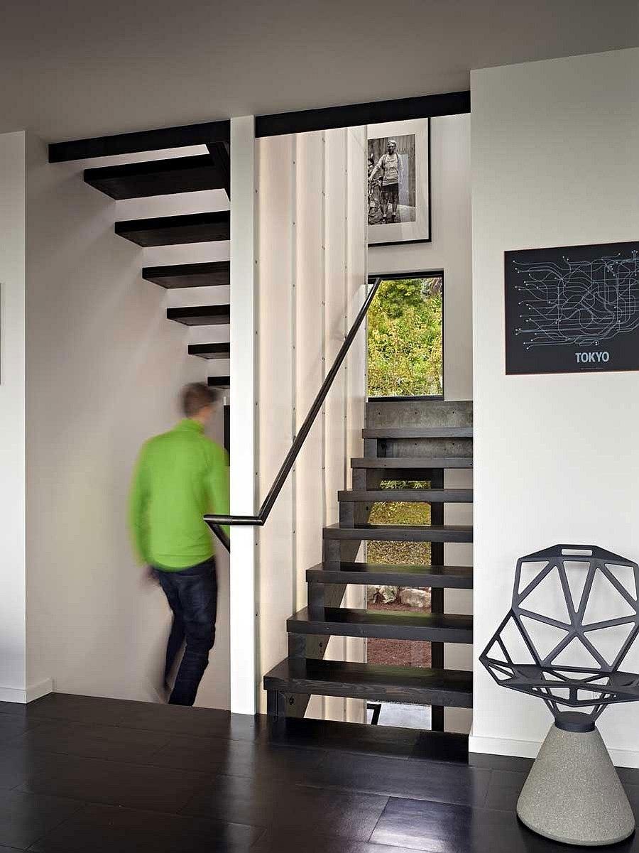Лестница в Cycle House в Mount Baker