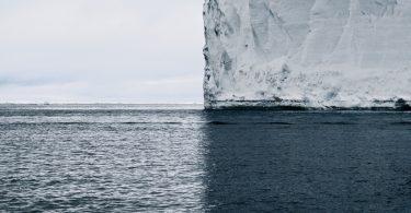 Дэвид Бердени: фотография айсберга, раскалывающего мир на квадранты
