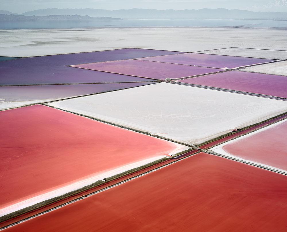 Дэвид Бердени: соляные озёра в серии фотографий