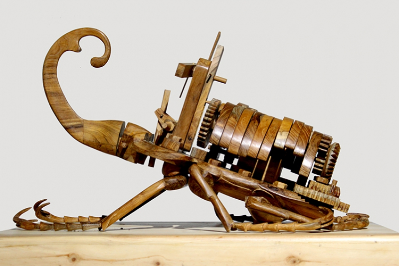 Дэди Софианто: кинетические деревянные скульптуры причудливых гибридных насекомых
