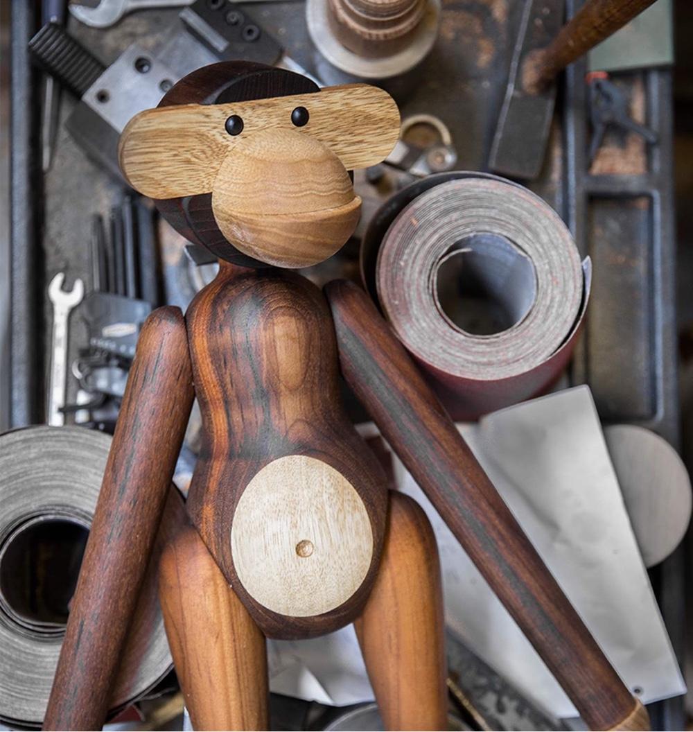 Талантливый датский дизайнер Кей Бойсен - обезьянка, вырезанная из дерева