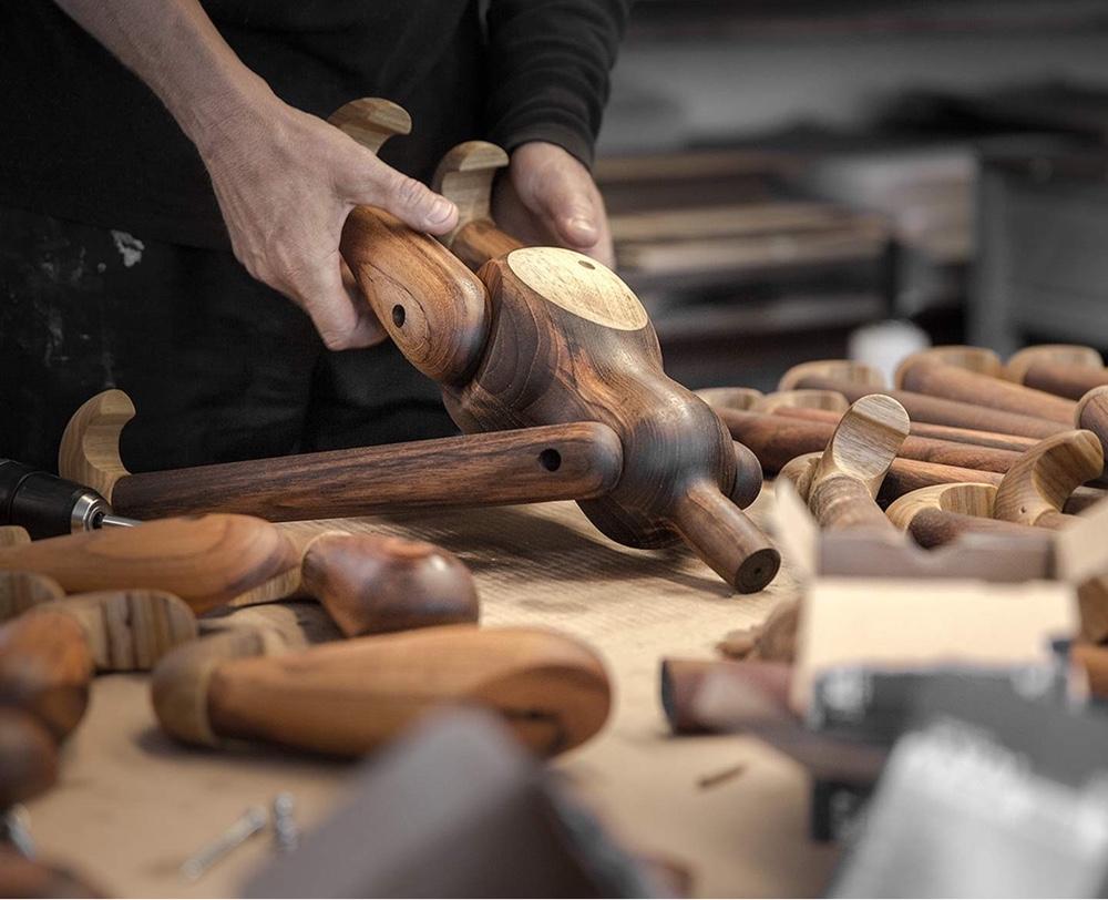 Талантливый датский дизайнер Кей Бойсен - процесс изготовки обезьянки