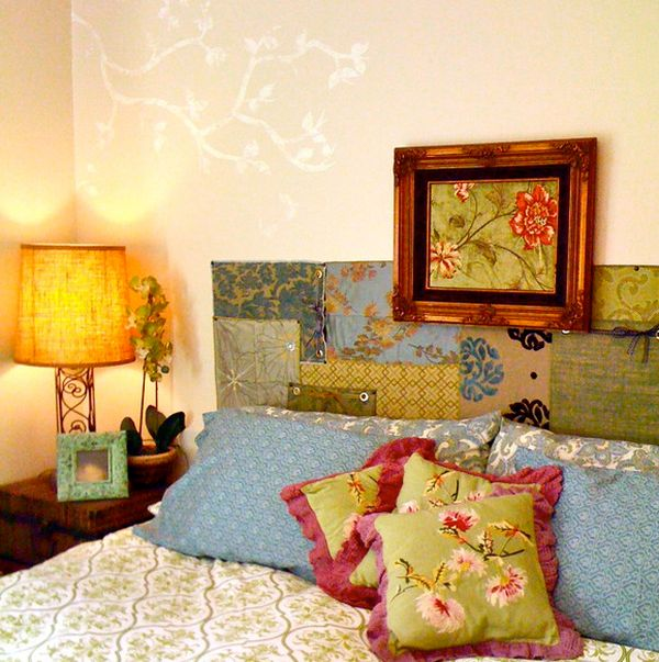 Старинные предметы декора в интерьере спальной комнаты