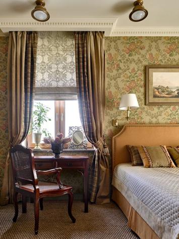 Шторы на окнах в спальне в стиле фьюжн