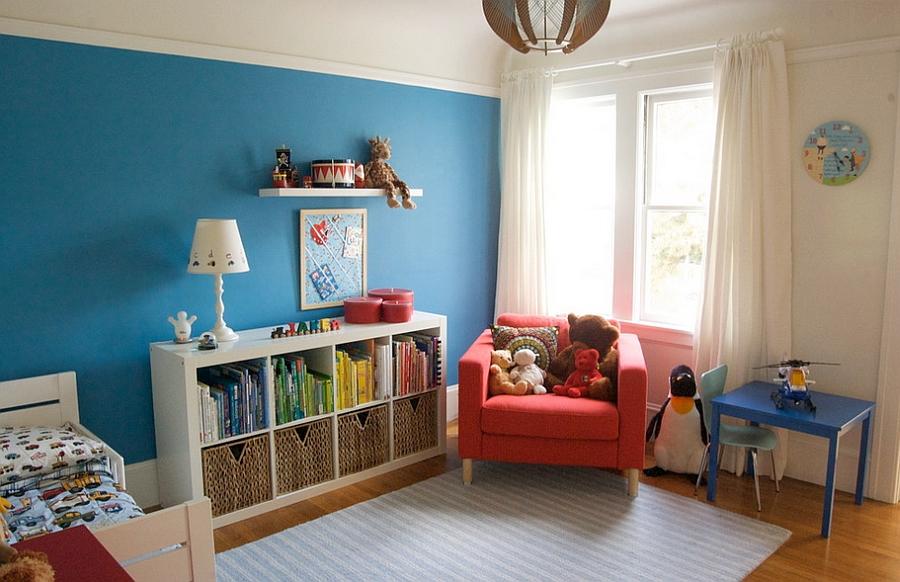 Книжный шкаф в детской спальне