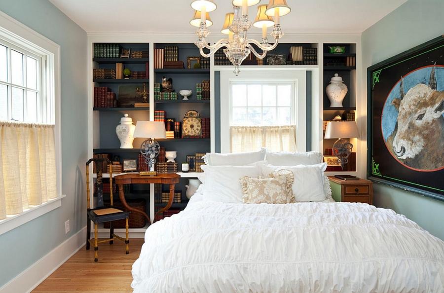 Книжный шкаф в интерьере спальни