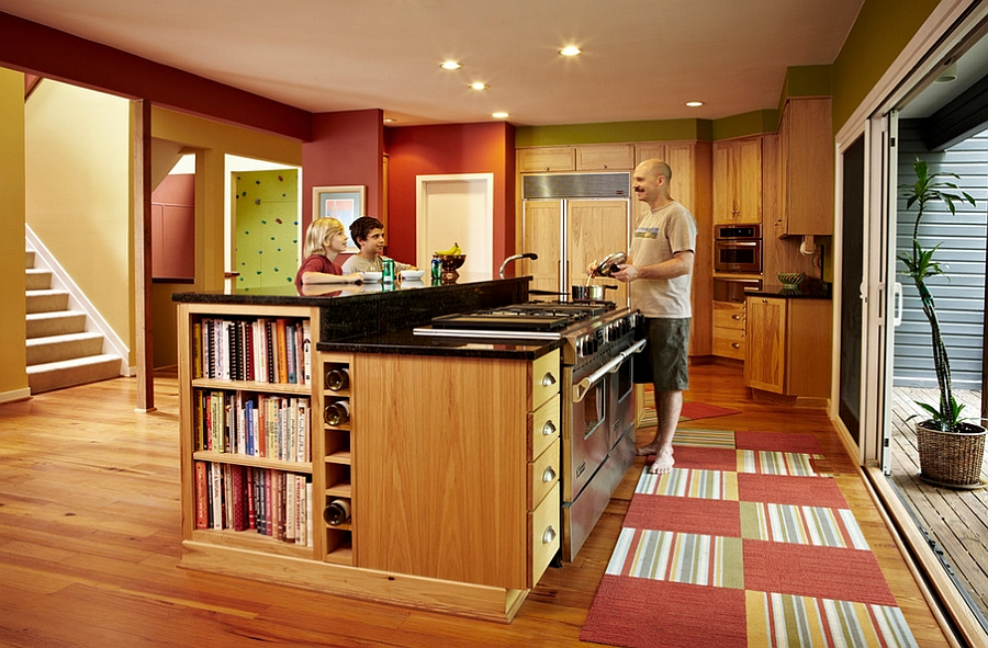 Книжная барная стойка на кухне