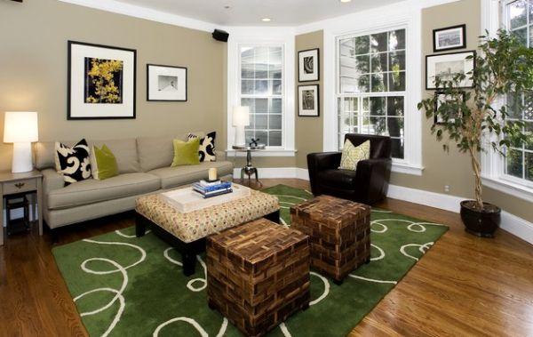 Броский коврик создает эффект свежей зеленой лужайки.