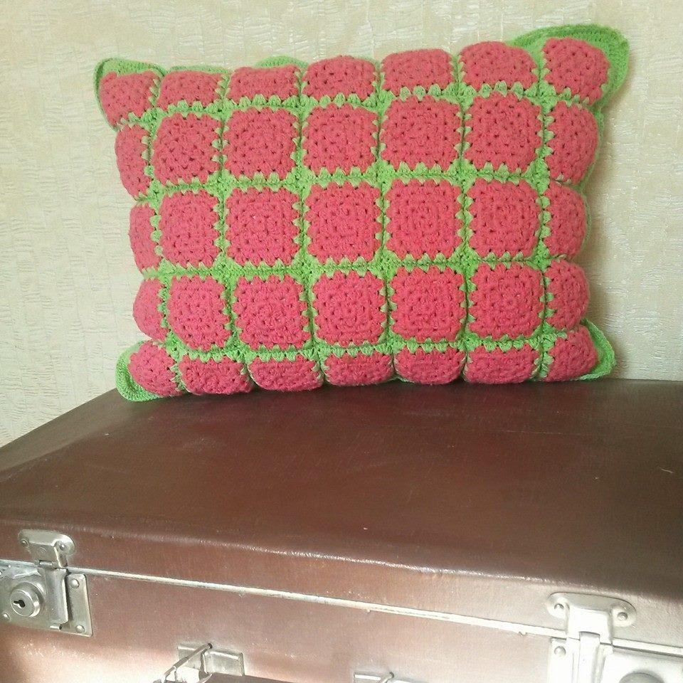 Замечательные декоративные подушки в интерьере