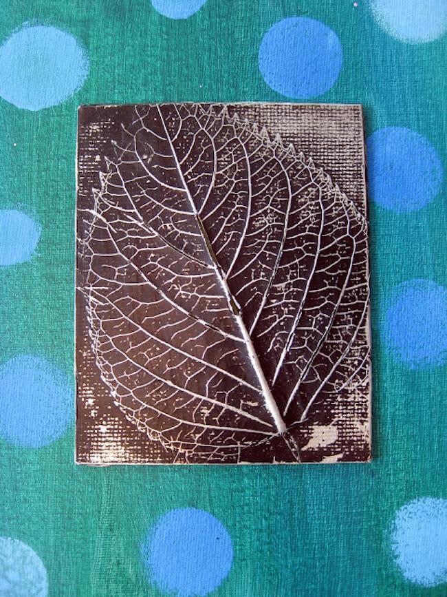 Декор осенними листьями - объёмная картина