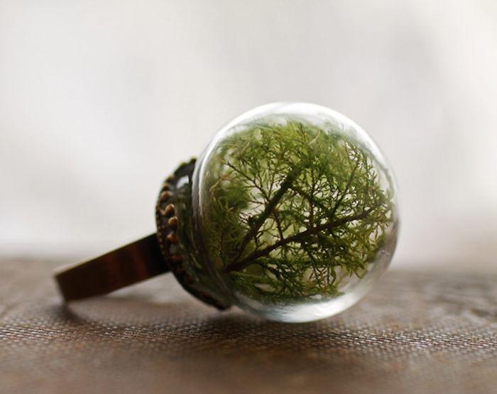 Мелкие зеленые веточки