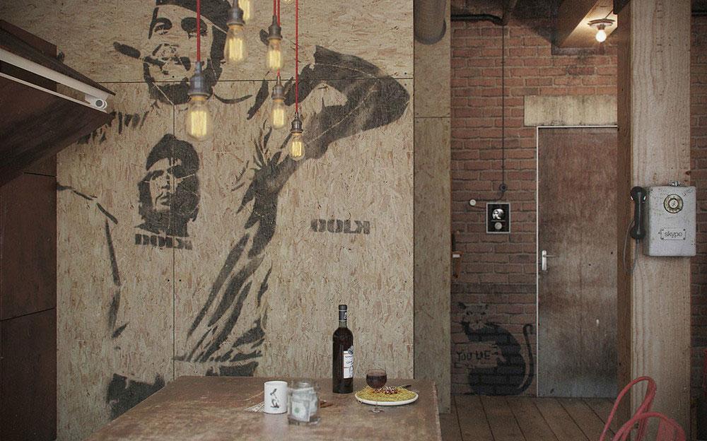 Роспись стен в квартире-студии