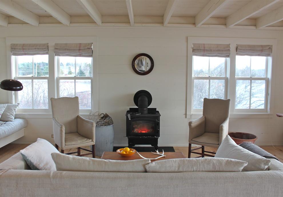 Деревенский стиль в дизайне интерьеров домов - печь в гостиной