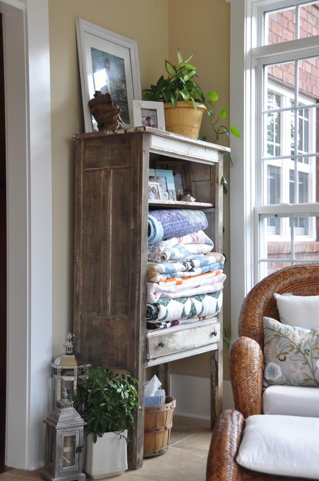 Деревенский стиль в дизайне интерьеров домов - старинный гарнитур
