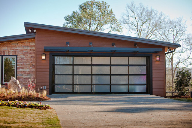 Отделка внешних стен гаража деревом