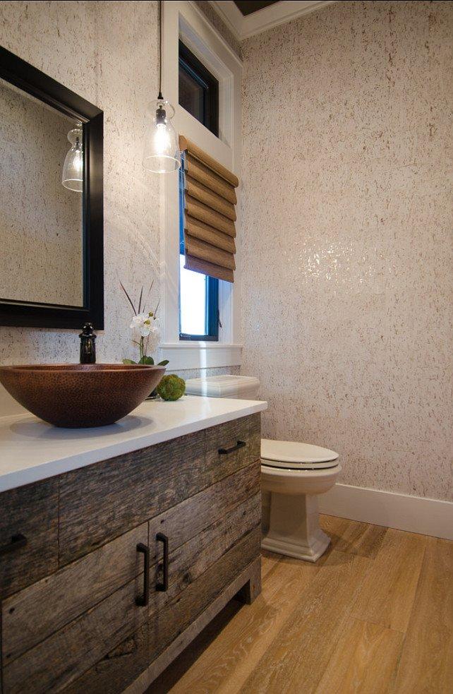 Дизайн деревянной тумбы в интерьере ванной комнаты