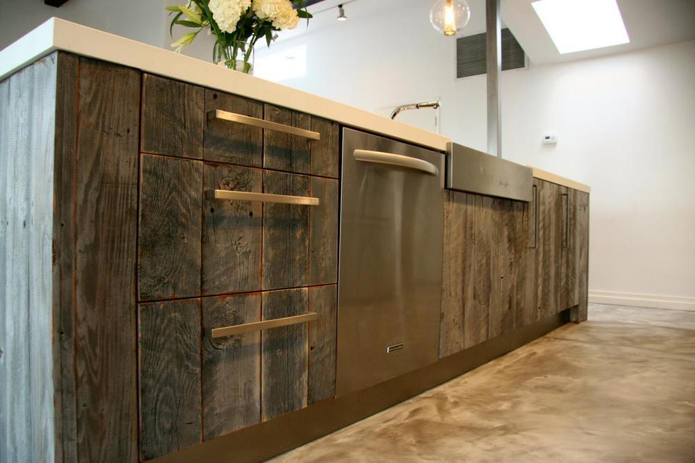 Дизайн кухонных ящиков из натурального дерева