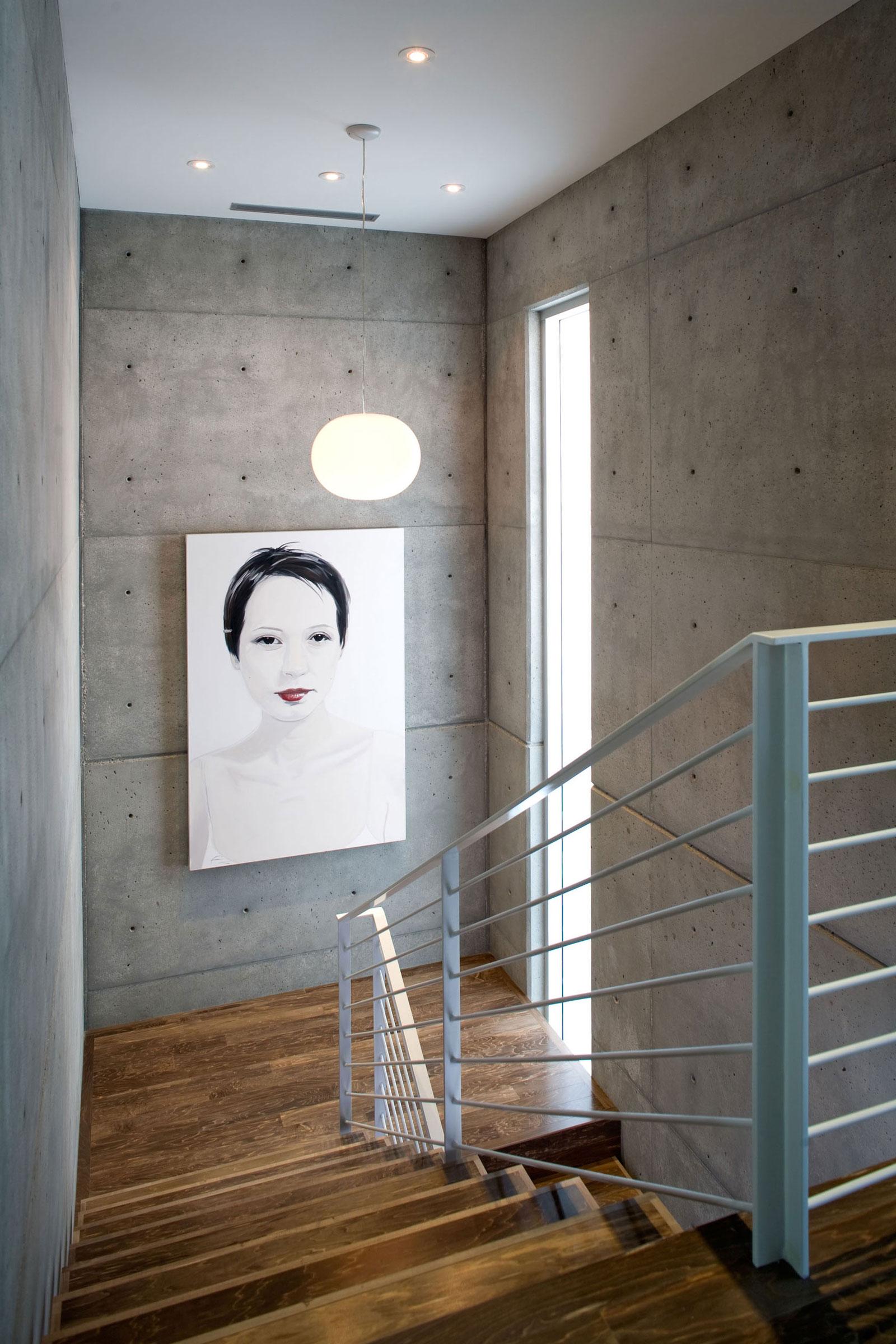 Деревянная лестница в интерьере - Фото 33