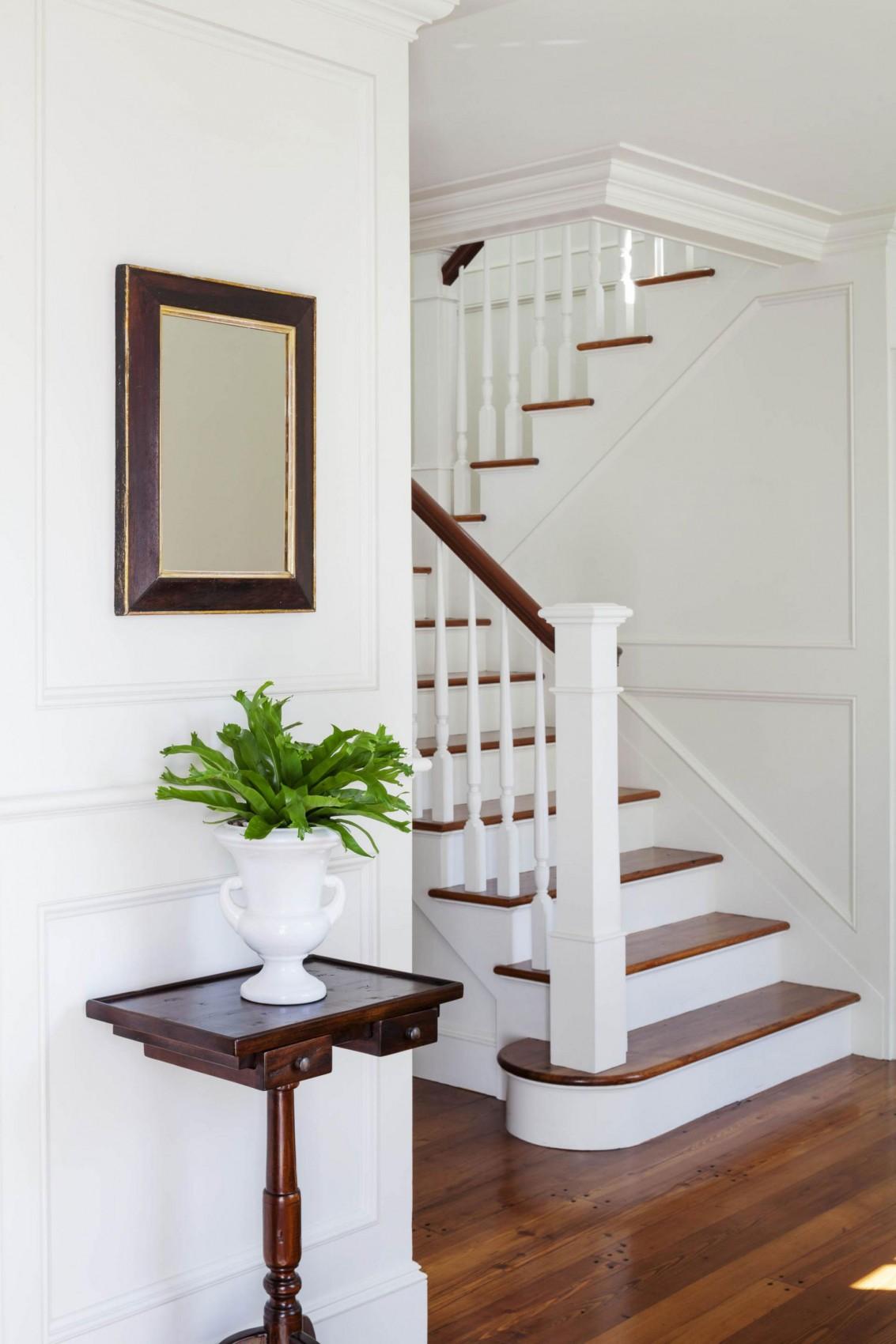 Деревянная лестница в интерьере - Фото 3